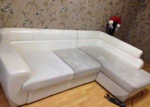 Чистка углового дивана
