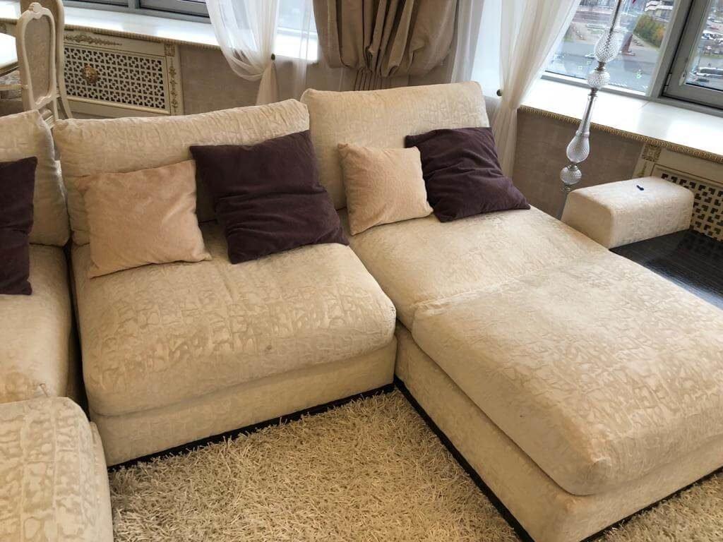 Фото чистки углового дивана
