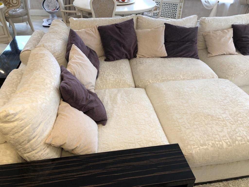 Фото чистки углового дивана 2