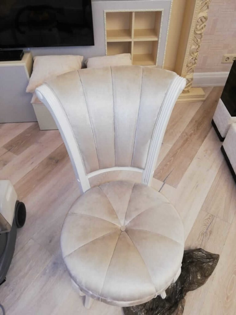 Фото чистки мягкой мебели 2