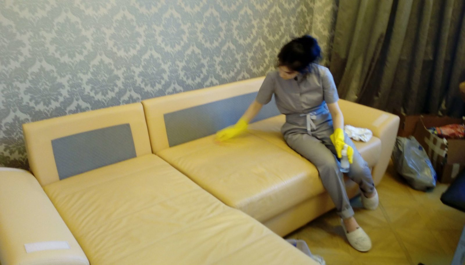 Фото чистки мягкой мебели 6